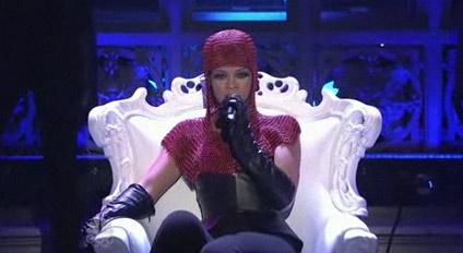 Rihanna-Russian-Roulette-SNL