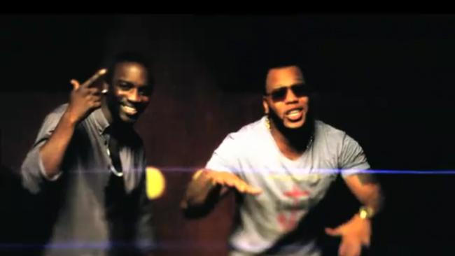 Flo Rida feat. Akon – Who Dat Girl Music Video