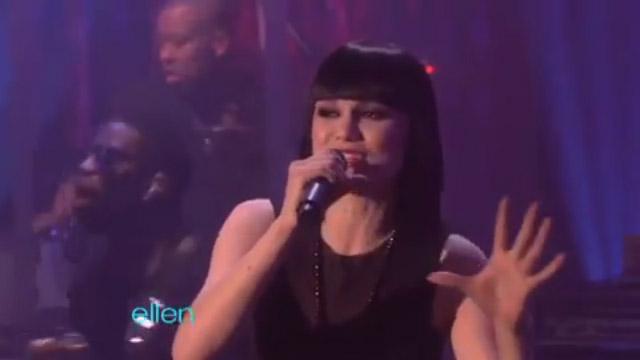 "Jessie J performs ""Price Tag"" on Ellen"