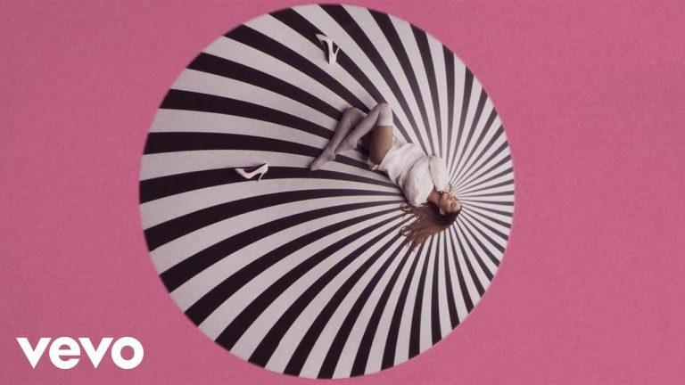 "Ariana Grande feat. Iggy Azalea – ""Problem"" Music Video"