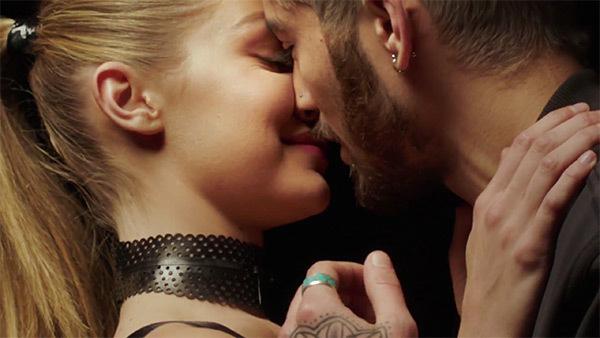 """Video: ZAYN – """"PILLOWTALK"""""""